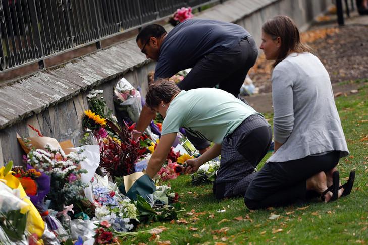 La Nouvelle-Zélande Rend Hommage Aux 50 Victimes Du